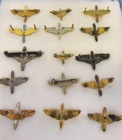 Stewarts Military Antiques - - US WWII Army Aircorps Collar Insignia